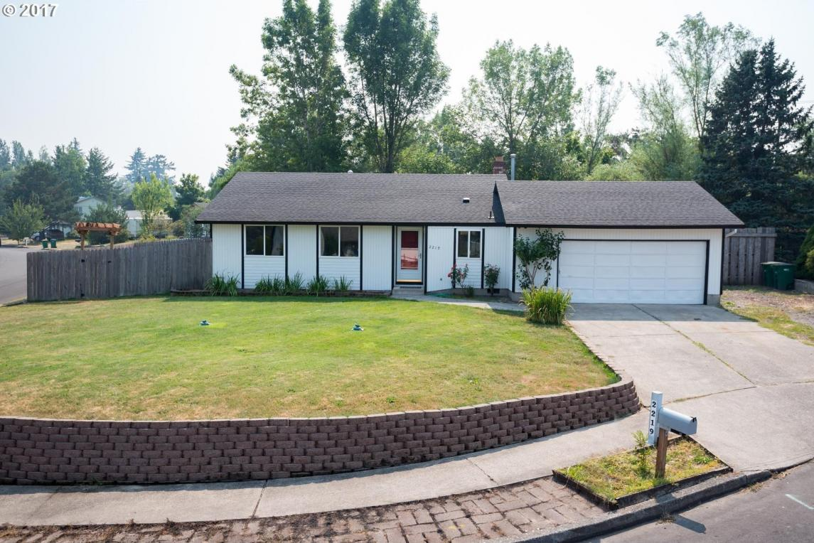 2219 SE Harlow Ct, Troutdale, OR 97060