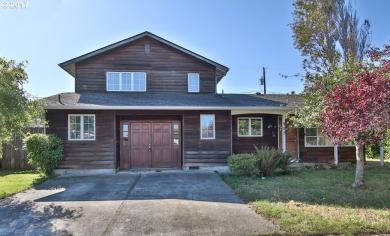 955 Montgomery, Coos Bay, OR 97420