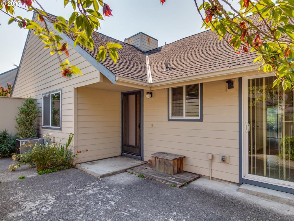 55 NE Village Squire Ave ##7, Gresham, OR 97030