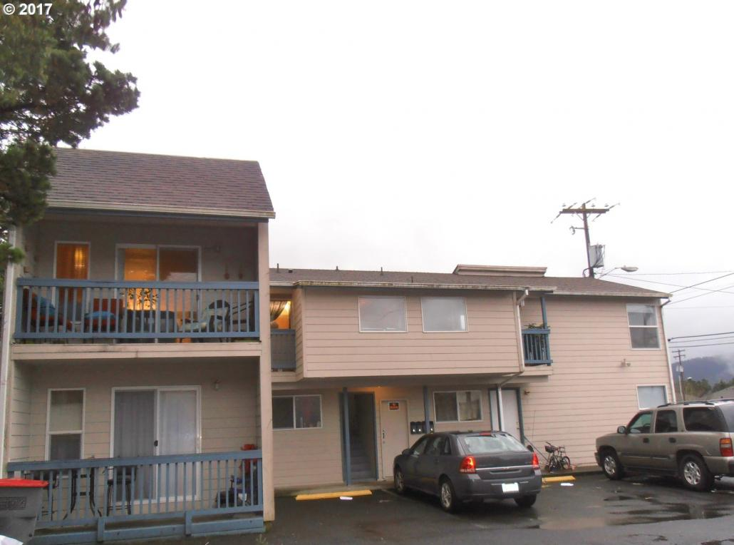 585 S Holladay Dr, Seaside, OR 97138