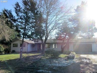 10055 SW Bayou Dr, Mcminnville, OR 97128