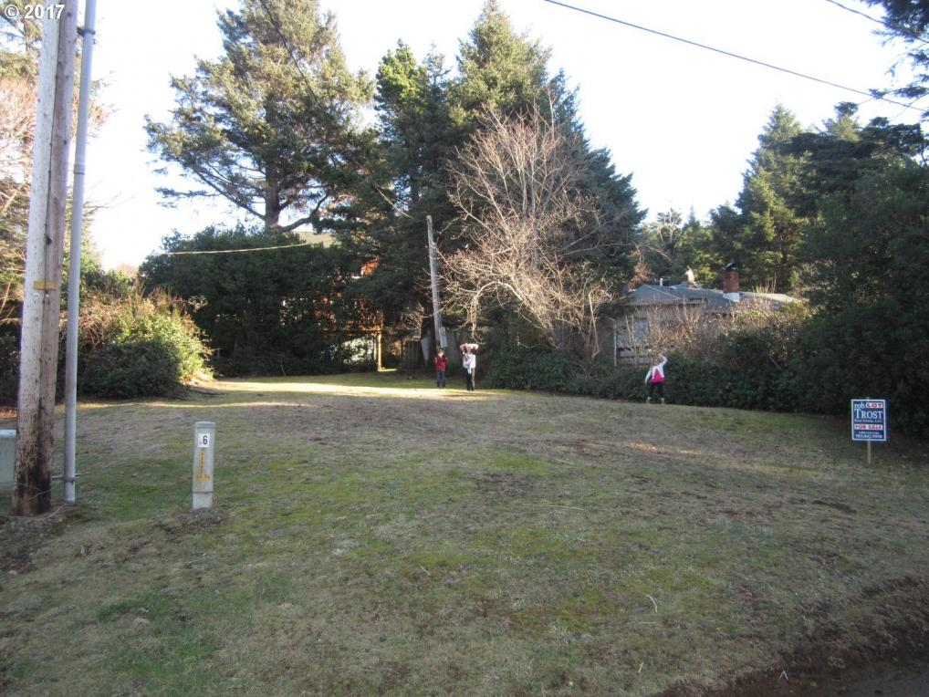 5895 Eighth St, Cape Meares, OR 97141