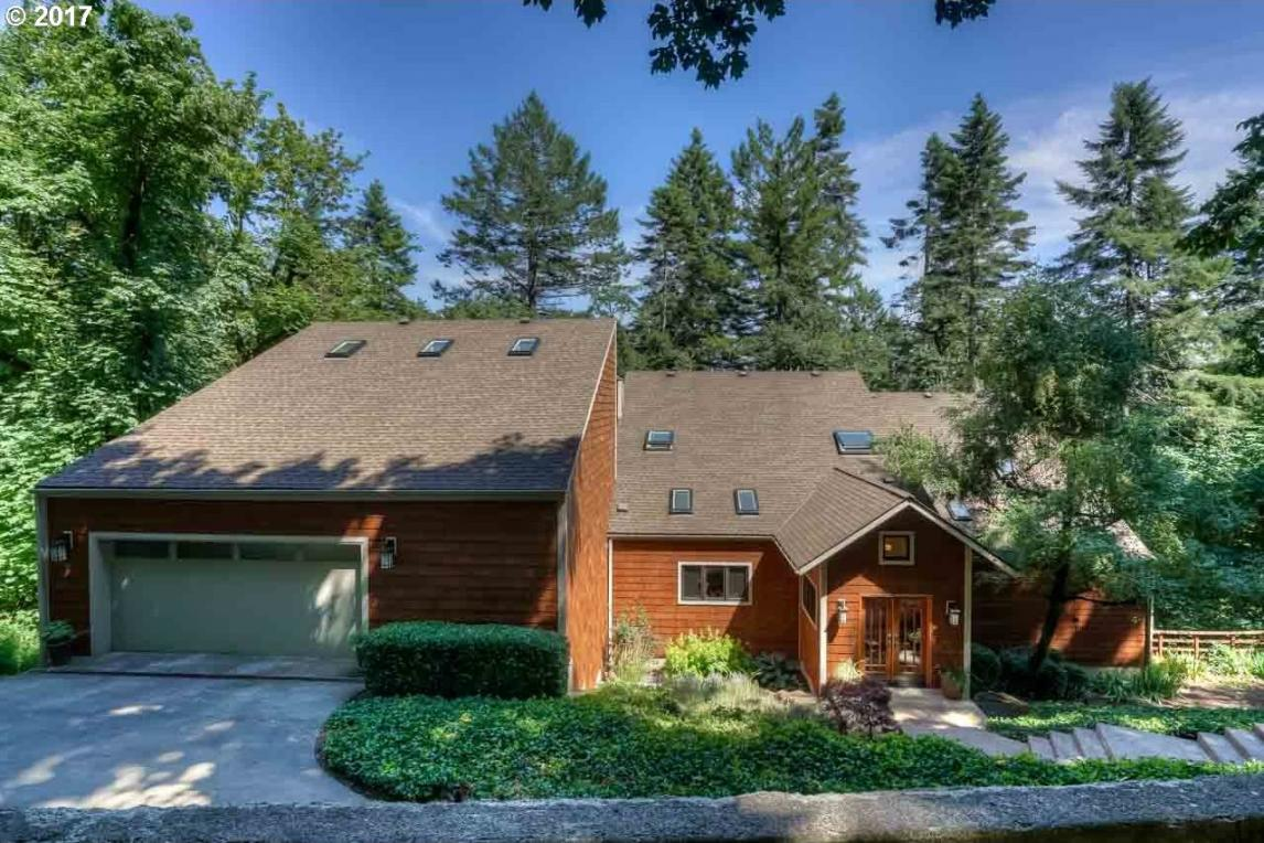 6715 NW Concord Dr, Corvallis, OR 97330