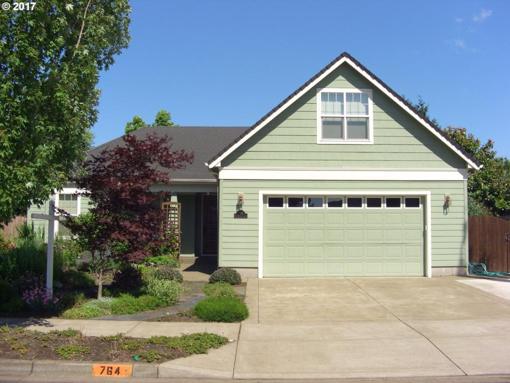 764 Old Orchard Ln, Springfield, OR 97477