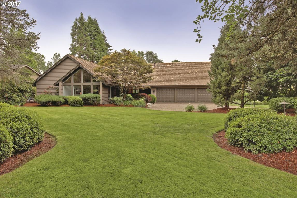 2725 NW Circle A Dr, Portland, OR 97229