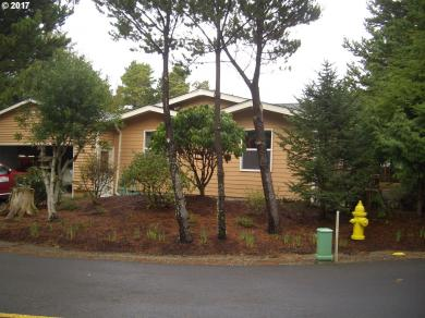 455 Seagrove Loop, Lincoln City, OR 97367