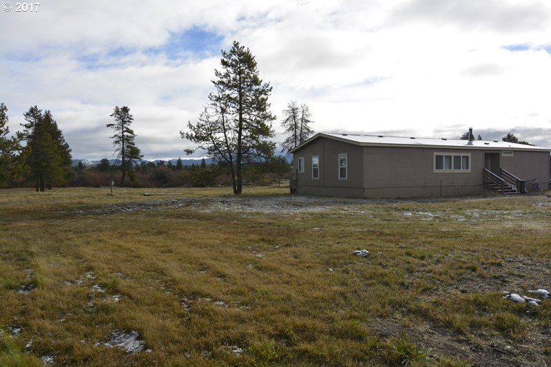 55600 Lazy River Dr, Bend, OR 97707