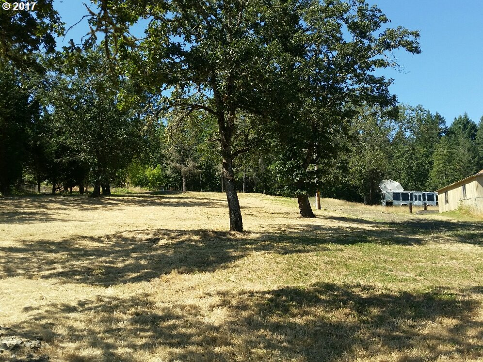 Tanglewood St, Sutherlin, OR 97479