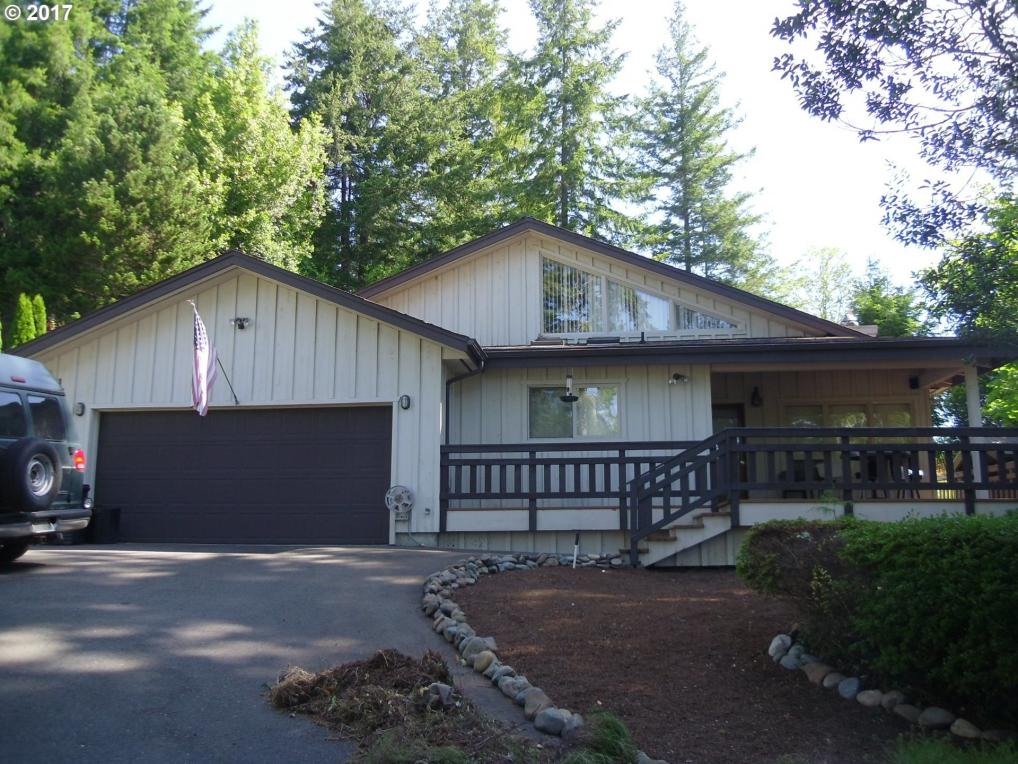 1446 W 14th Pl, Coquille, OR 97423