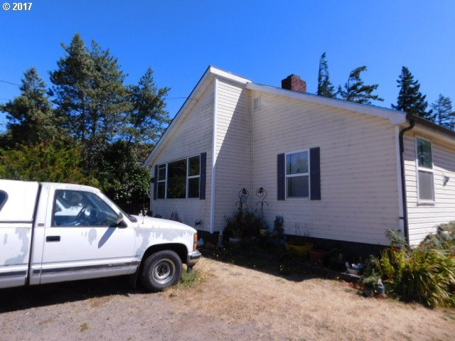 2675 Marion, North Bend, OR 97459