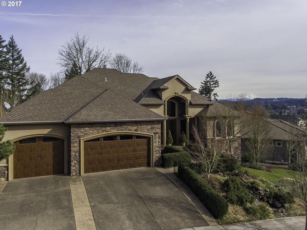 15569 SE Chelsea Morning Dr, Happy Valley, OR 97086