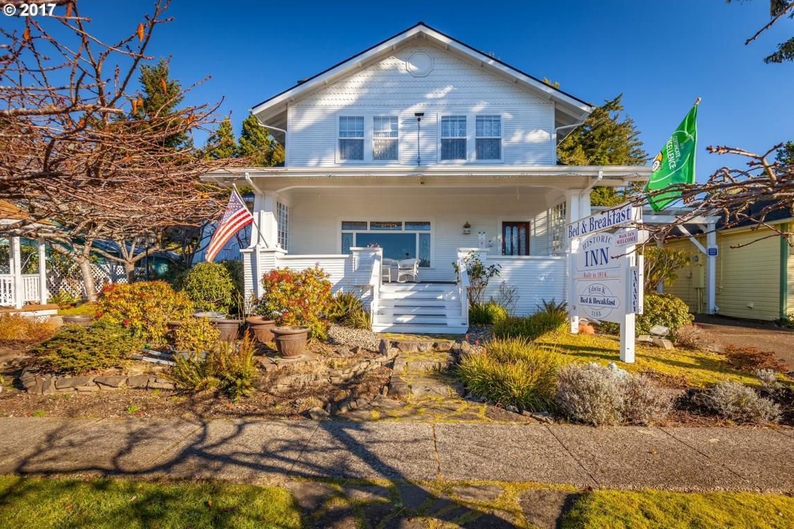 1155 Bay St, Florence, OR 97439