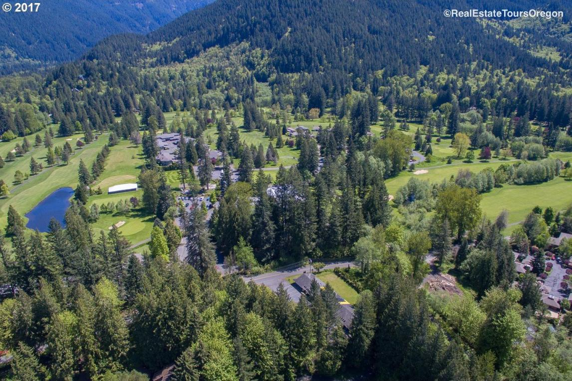E Bright Ave, Welches, OR 97067