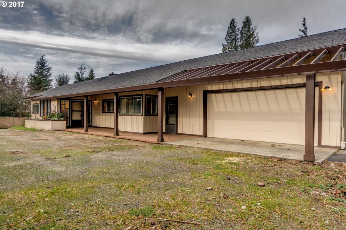 860 NE 237th Pl, Wood Village, OR 97060