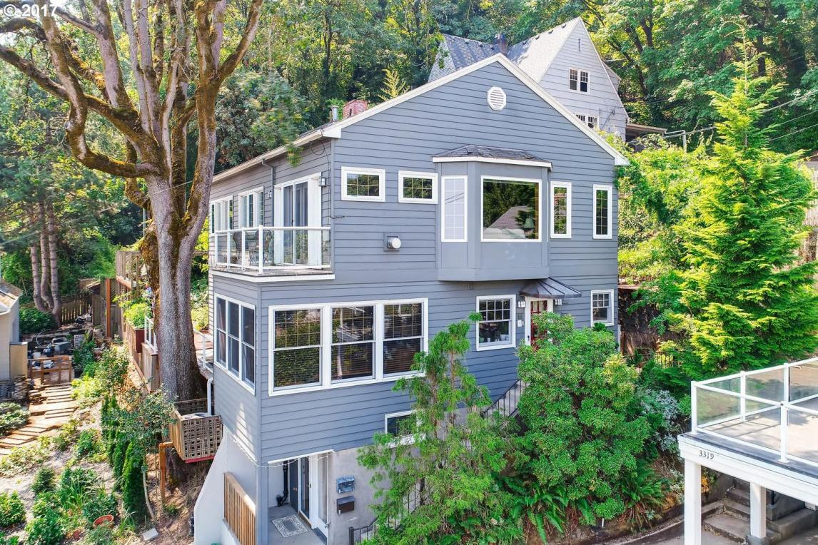 225 SW Whitaker St, Portland, OR 97239
