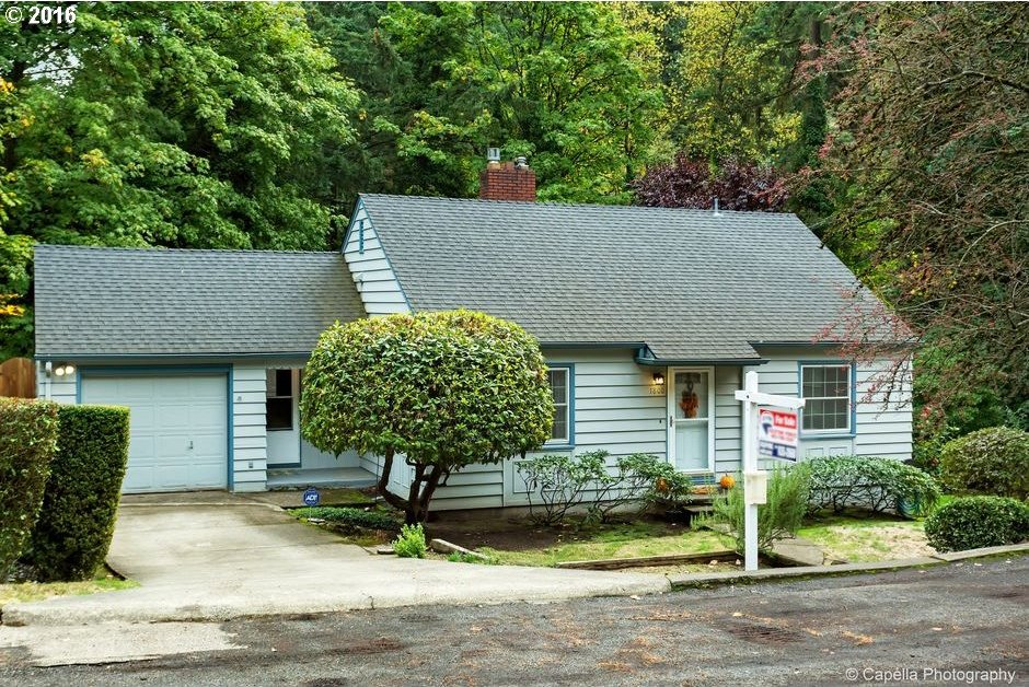1800 SW Parkview Ct, Portland, OR 97221