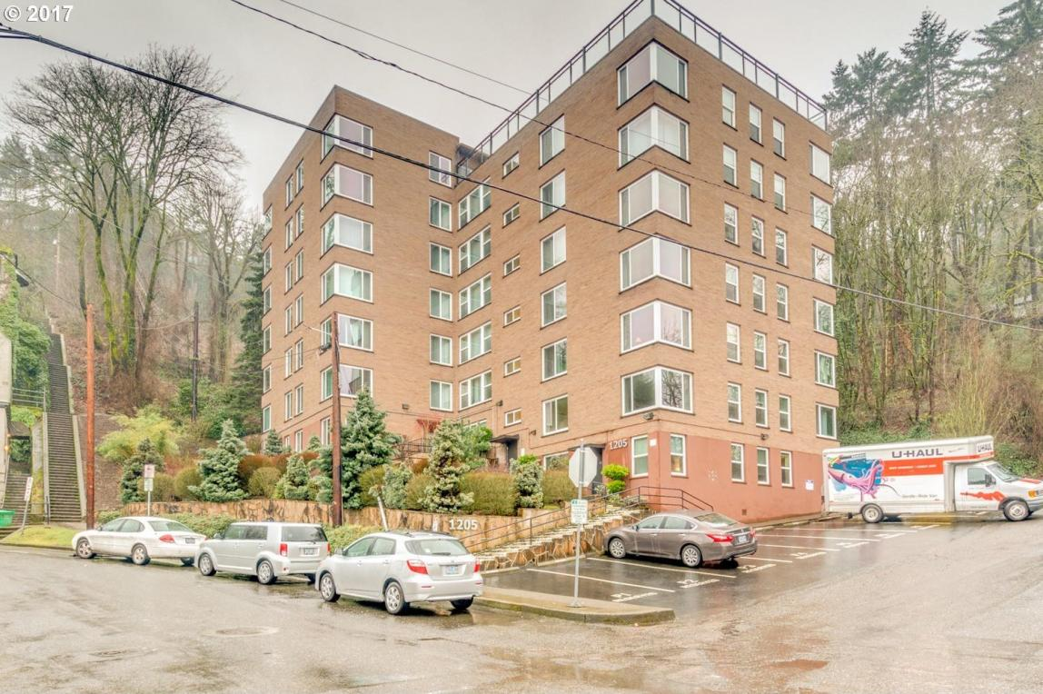 1205 SW Cardinell Dr #103, Portland, OR 97201