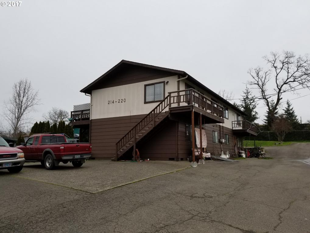 214 SE Darrell Ave, Winston, OR 97496