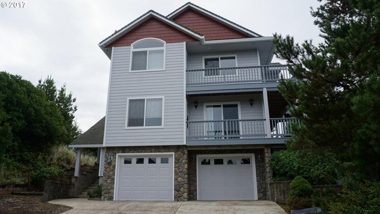 14 Sea Watch Ct, Florence, OR 97439