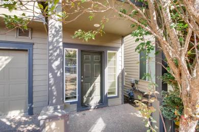 8821 NE Wasco St, Portland, OR 97220