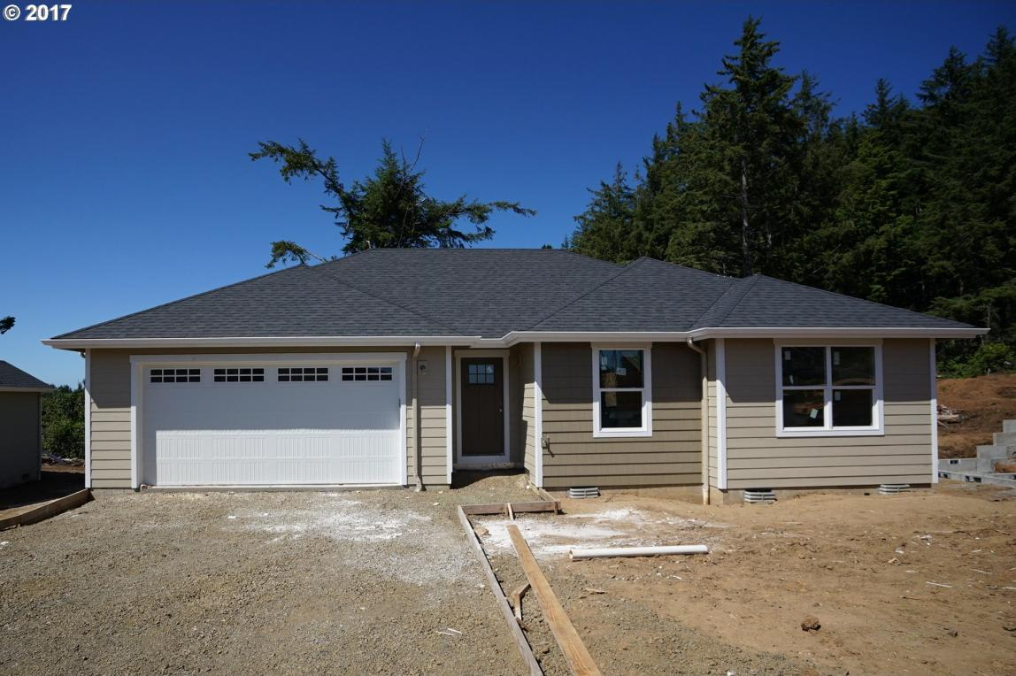 1335 SE 41st St, Lincoln City, OR 97367