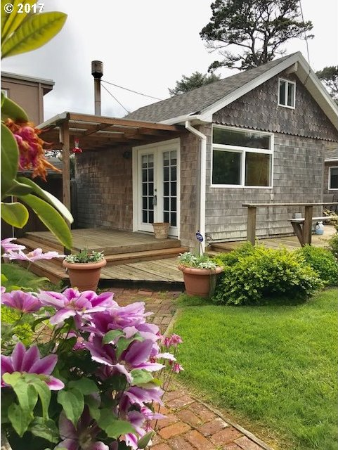 4385 Independence Ave, Neskowin, OR 97149