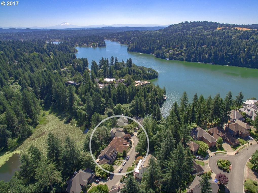 1579 Bay View Ln, Lake Oswego, OR 97034