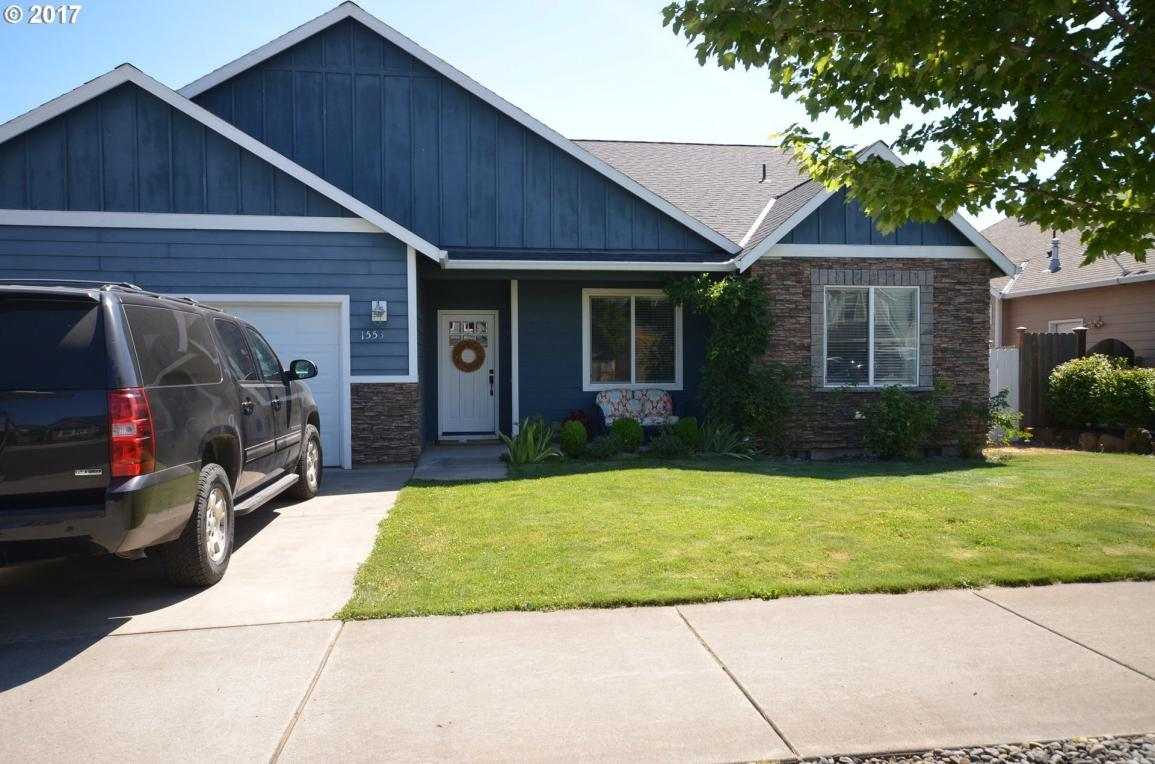 1553 3rd St, Hood River, OR 97031