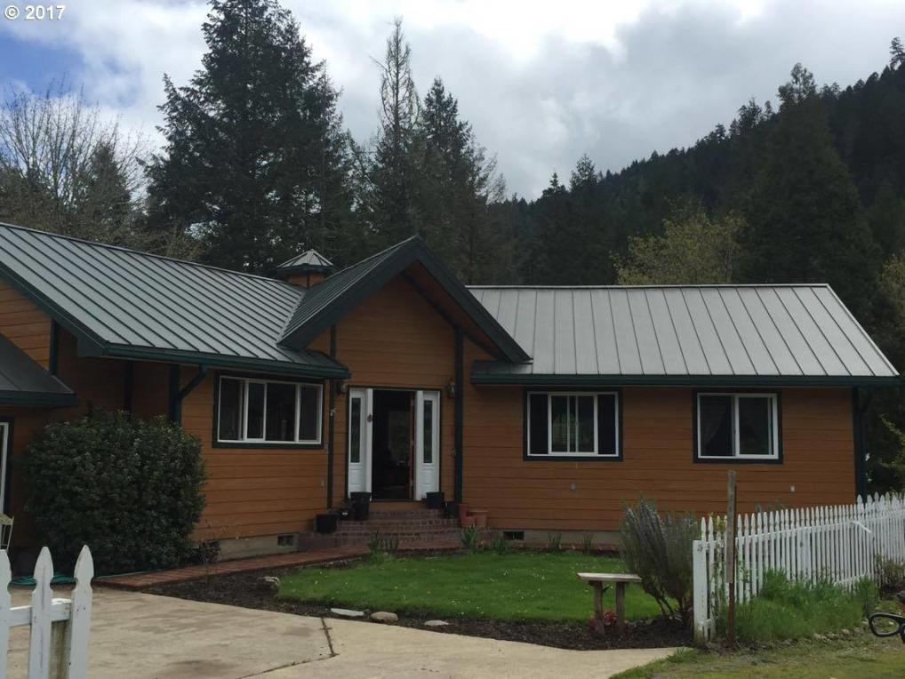 13621 South Myrtle Rd, Myrtle Creek, OR 97457