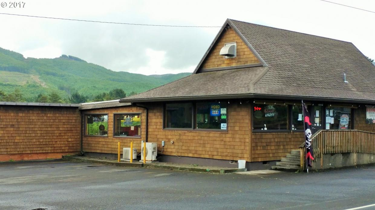 670 N Hwy 101, Rockaway Beach, OR 97136