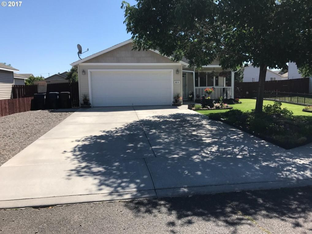 2830 NW 9th Ln, Redmond, OR 97756