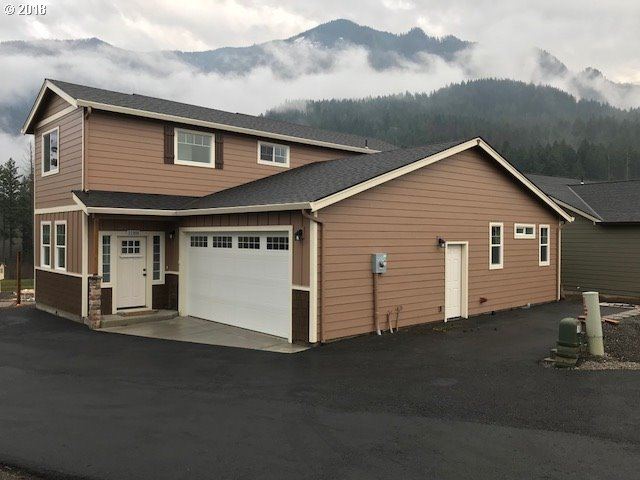 1188 Chinookan Dr Dr, Cascade Locks, OR 97014