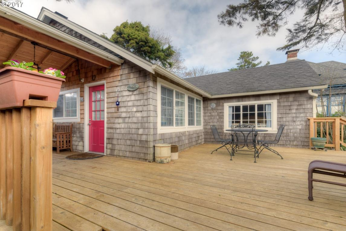 430 10th Ave, Seaside, OR 97138