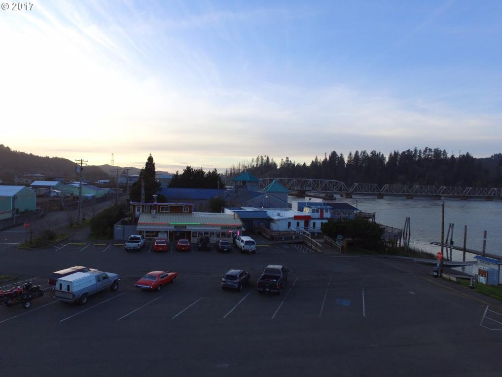351 Riverfront Way, Reedsport, OR 97467