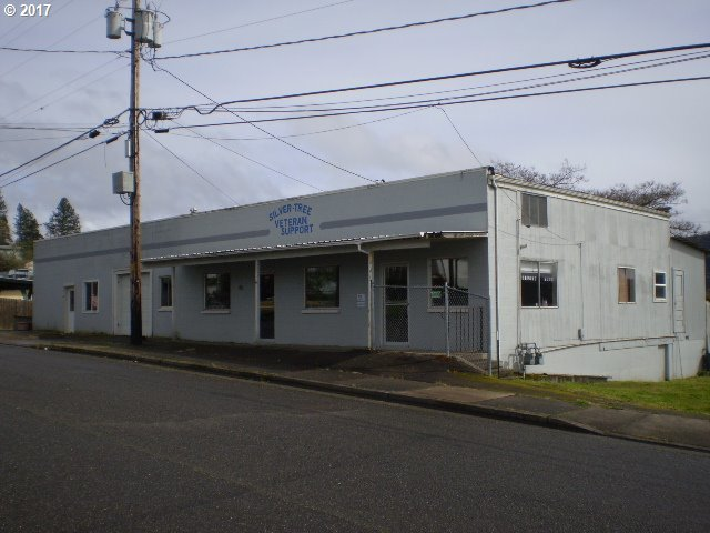 60 NW Sherry St, Winston, OR 97496