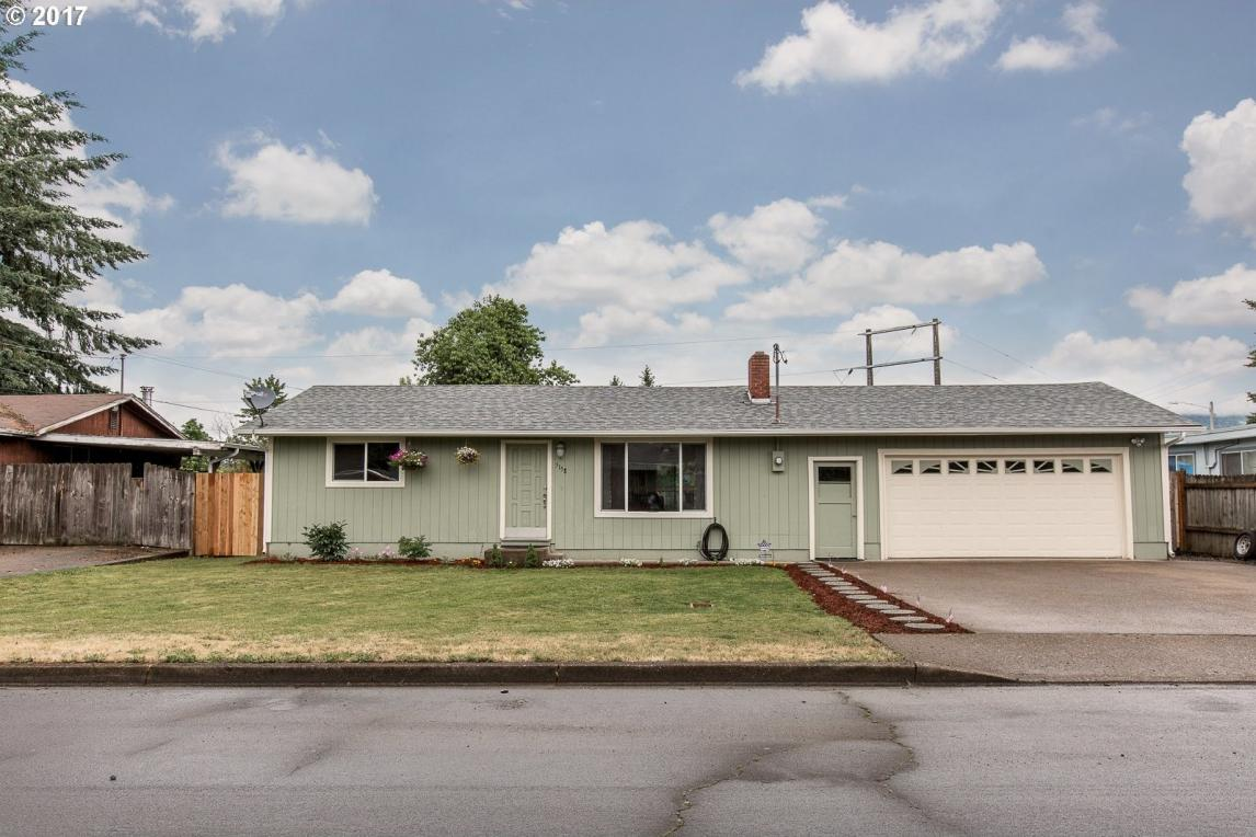 5158 F St, Springfield, OR 97478