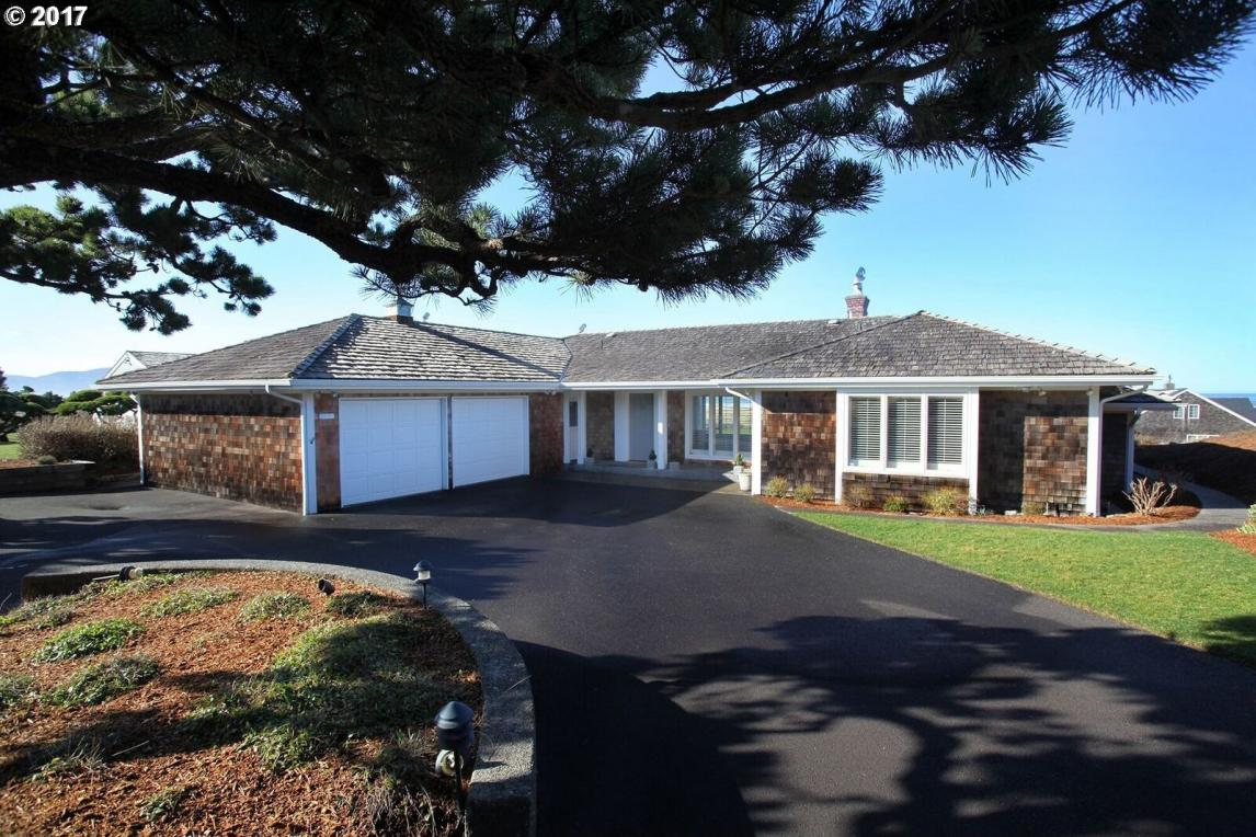 1456 Pacific Dr, Gearhart, OR 97138