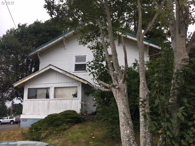 318 S 6th, Coos Bay, OR 97420