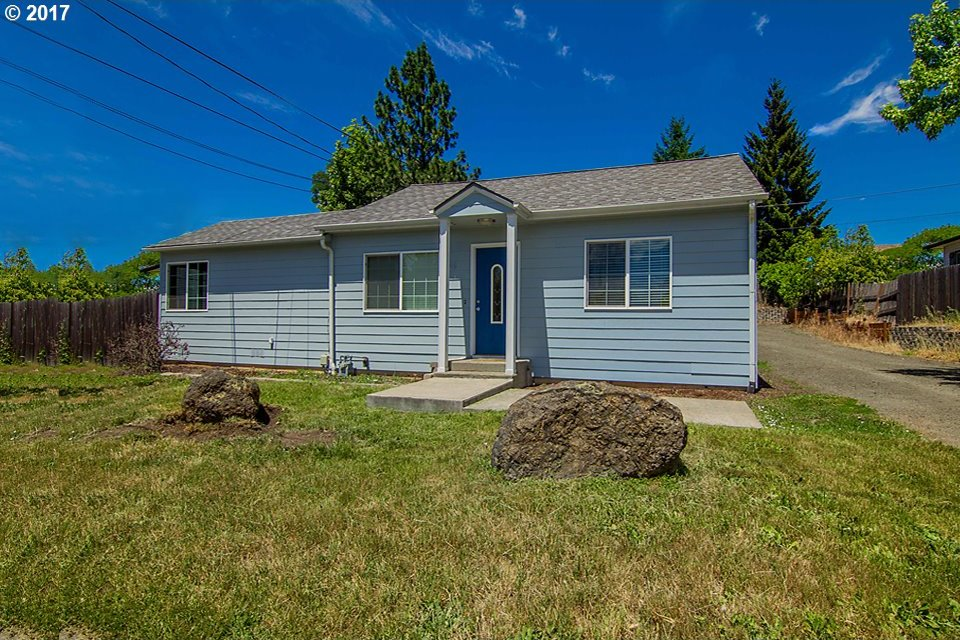 342 NW Cecil Ave, Roseburg, OR 97470