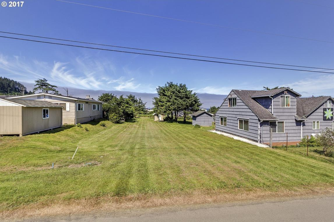 3rd St, Cape Meares, OR 97141