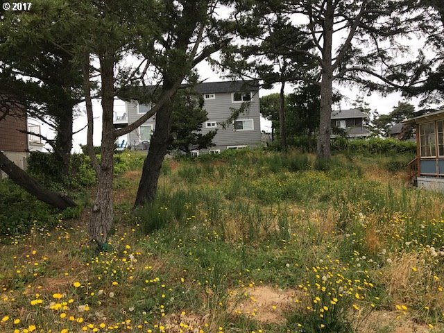 Lot West Of 220 9th St, Seaside, OR 97138