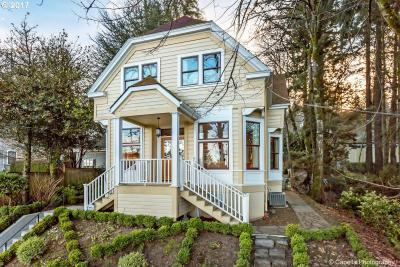 Photo of 2104 SW Spring St, Portland, OR 97201