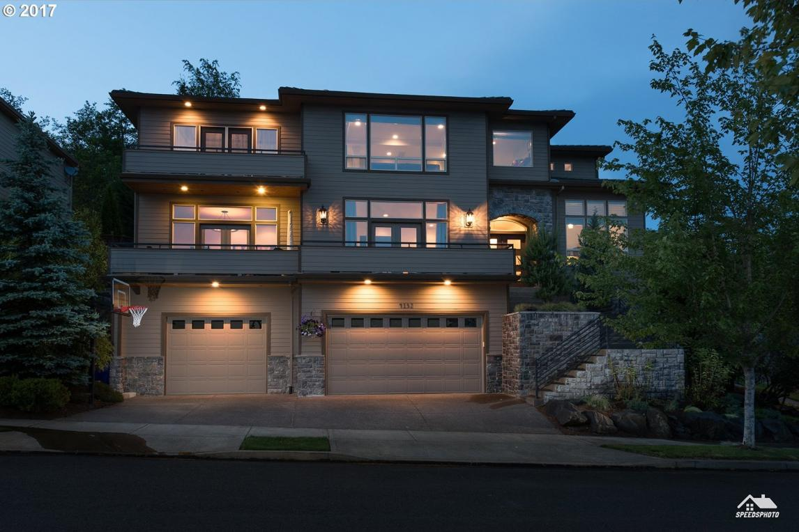 4132 NW Twilight Ter, Portland, OR 97229