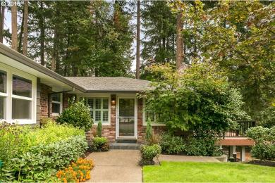 471 Country Club Ct, Lake Oswego, OR 97034