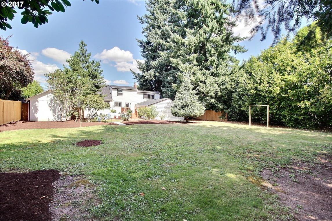 12820 SW Grant Ave, Tigard, OR 97223
