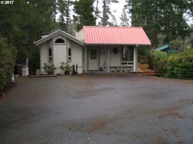 99 Outer Dr, Florence, OR 97439