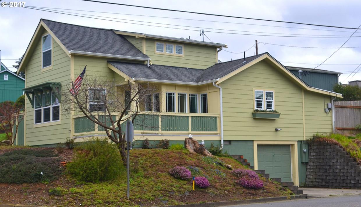 1095 Lombard, North Bend, OR 97459