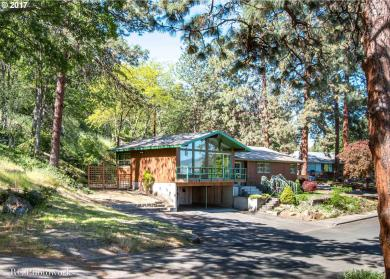 1960 W Scenic Dr, The Dalles, OR 97058