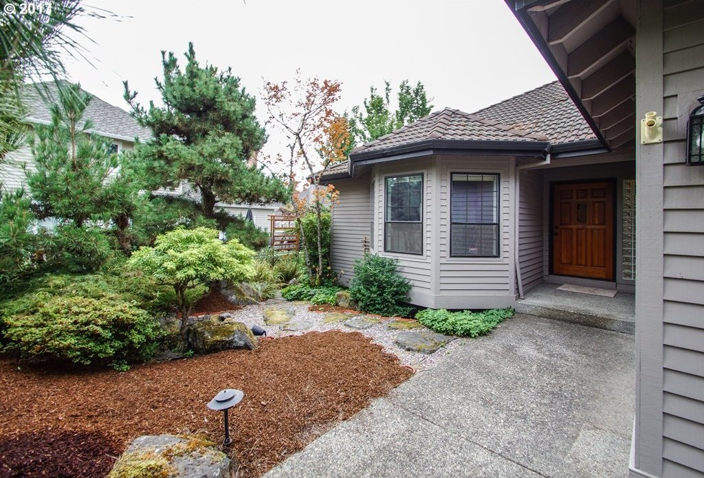 15330 SW Heron Ct, Beaverton, OR 97007