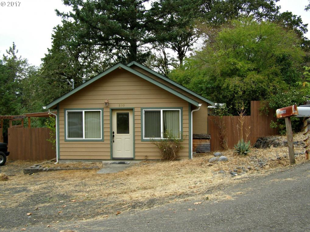 839 Union Gap Loop Rd, Oakland, OR 97462